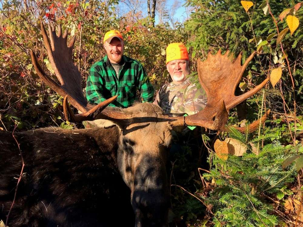 Maine Whitetail Adventures – Trophy Maine Whitetail Deer Hunts